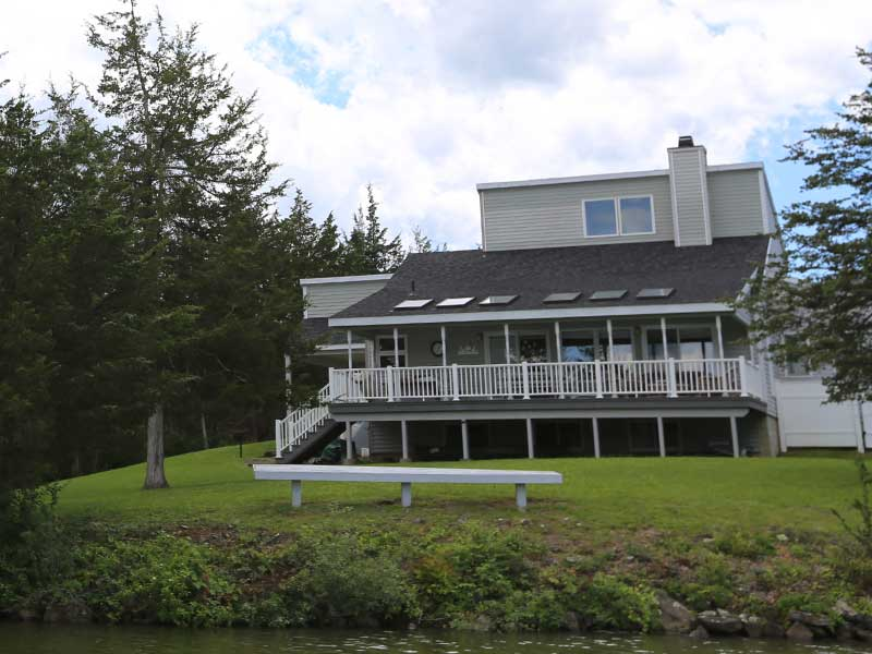 Enjoy your lakefront lifestyle at Sleepy Hollow Lake in Athens NY